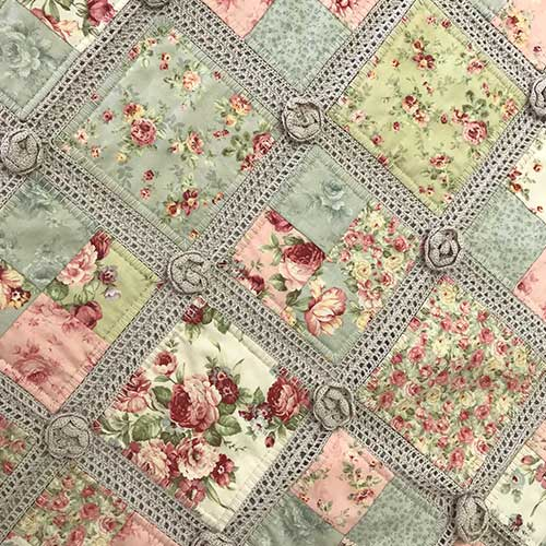 pretty-as-rose-quilt